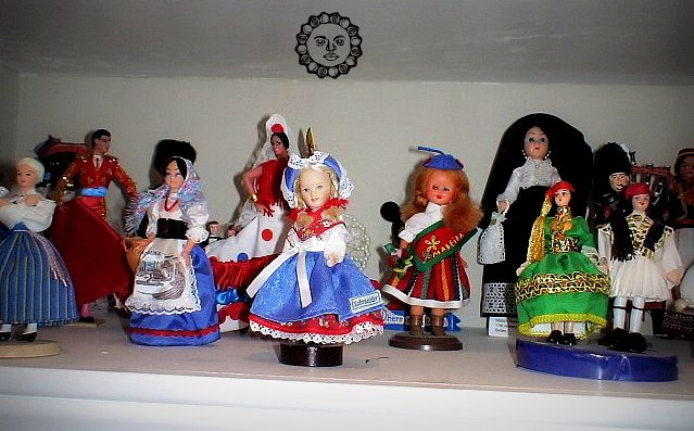 a history of dolls around the world Top 70 most amazing houses from around the world article by kurt,  here for you sorted into eight types, here are seventy of the most amazing, unusual, offbeat and unique houses in the world 1) unique beach and lake houses: what could be more relaxing and peaceful than an extended stay at a house on the water how about:.